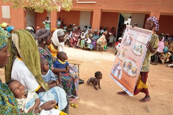 La France vole au secours de la santé maternelle et infantile au Togo