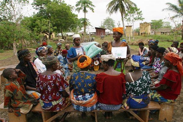 Donner aux femmes l'accès aux services de planification familiale en Afrique