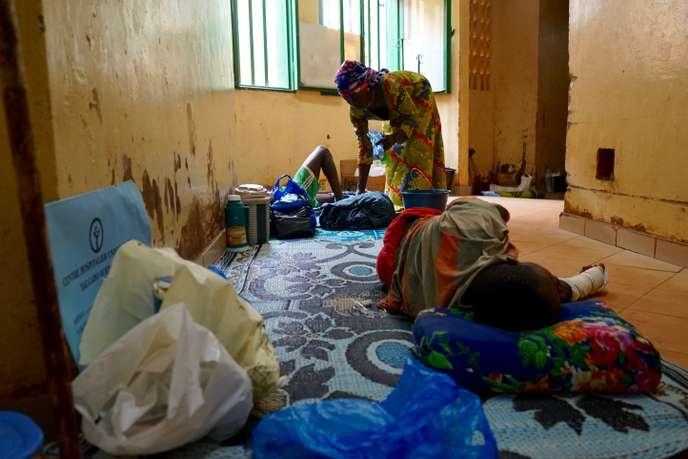 Au CHU de Ouaga, les soignants se désolent de « regarder les pauvres mourir et les riches guérir »